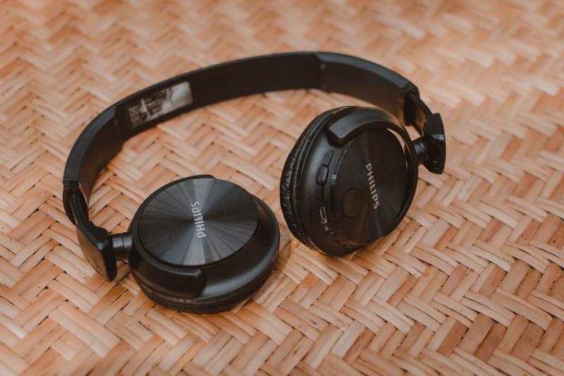 ασύρματα ακουστικά που διπλώνουν